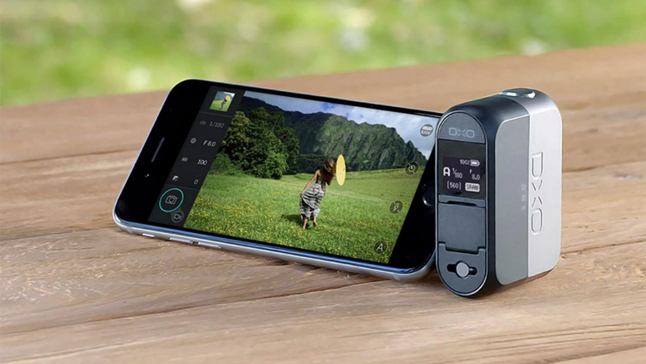 Le DxO One est un appreil qui se connecte à un iPhone.
