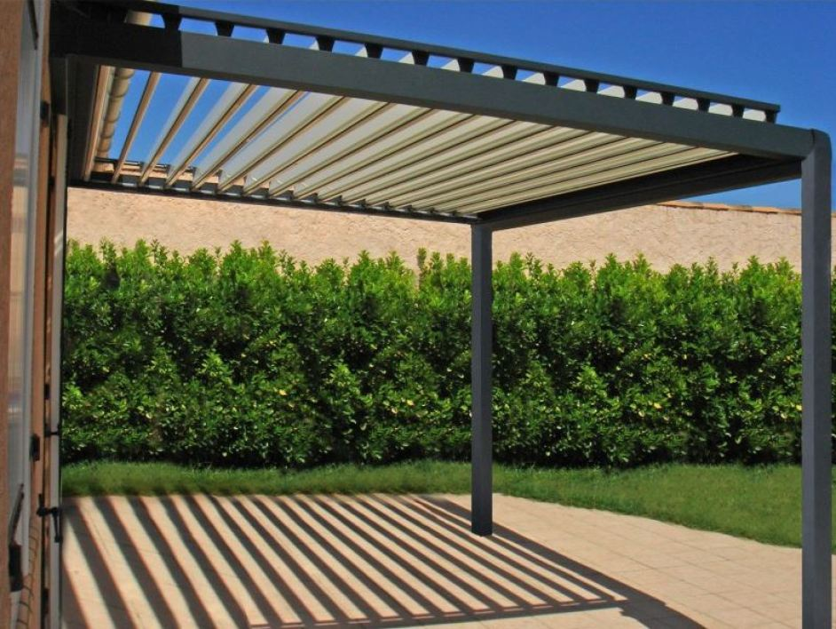 pergola bioclimatique jardin. Black Bedroom Furniture Sets. Home Design Ideas