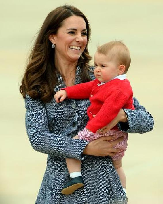 Kate, duchesse de Cambridge et son fils George à Canberra, le 25 avril 2014