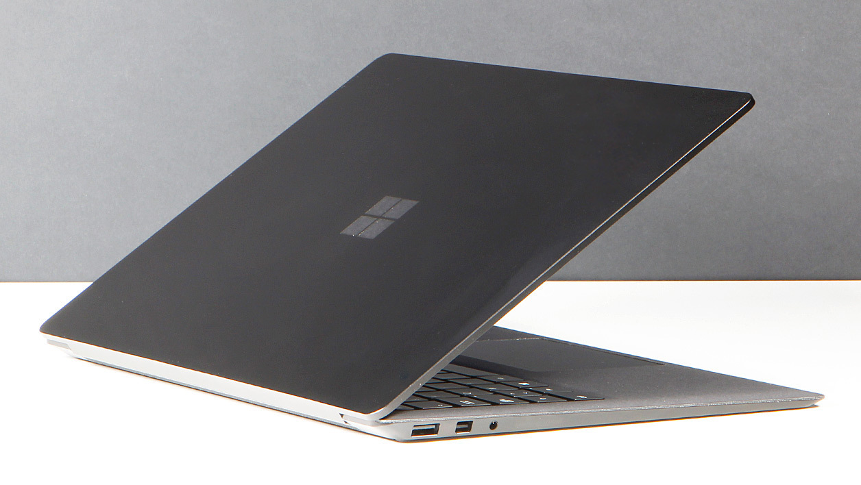 Microsfot Surface Laptop 2