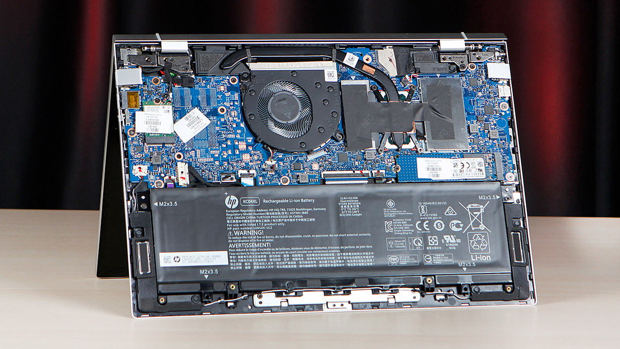 Hp-Envy-13-2019-inside.jpg