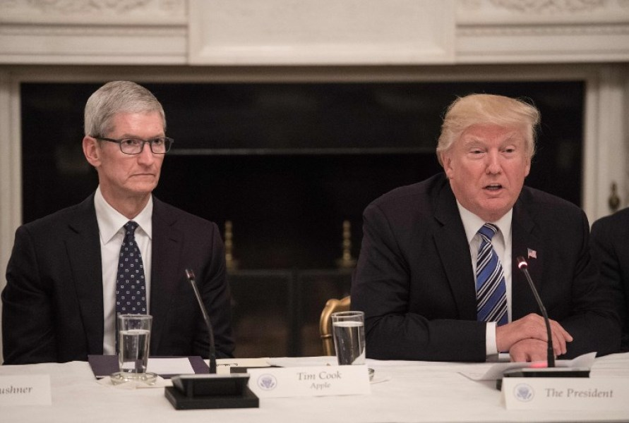 Donald Trump et Tim Cook