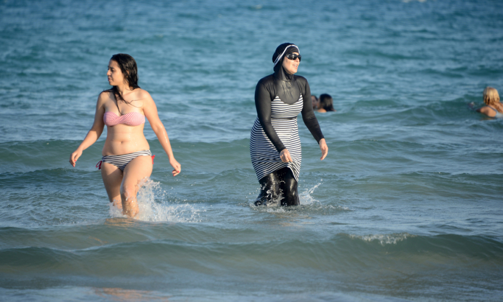 Malgré des recours d'associations, le tribunal a validé l'arrêté anti-burkini de Villeneuve-Loubet (photo d'illustration)
