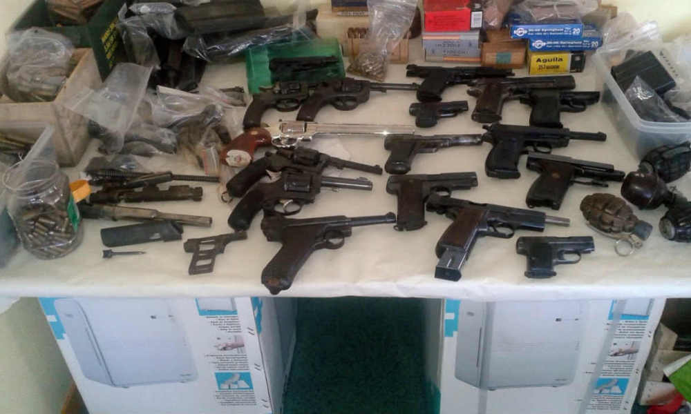 A handout photo released by the French Directorate-General of Customs and Indirect Taxes (DNRED) on April 29, 2016 shows some of the arms confiscated by customs officials on the night of April 23 to 24 at the home of an individual in Angouleme.  HO / Douanes Francaises / AFP