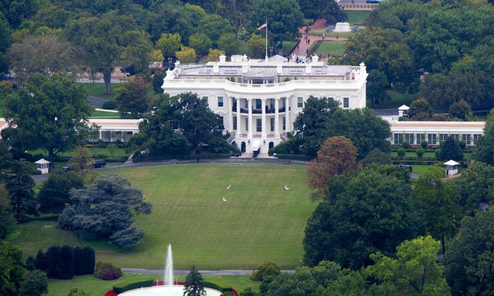 La Maison Blanche - The White House is seen from the top of the Washington Monument in Washington, DC, October 1, 2014. AFP PHOTO / Saul LOEB  SAUL LOEB / AFP