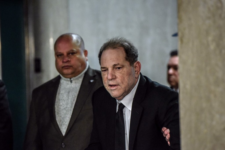 Harvey Weinstein est arrivé à la cour criminelle du tribunal de New York, le 6 janvier 2020.