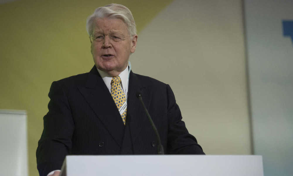 "Iceland's President Olafur Ragnar Grimsson addresses the ""LPAA focus on Energy"" session during the COP21 climate change conference in Le Bourget, north of Paris, on December 7, 2015."