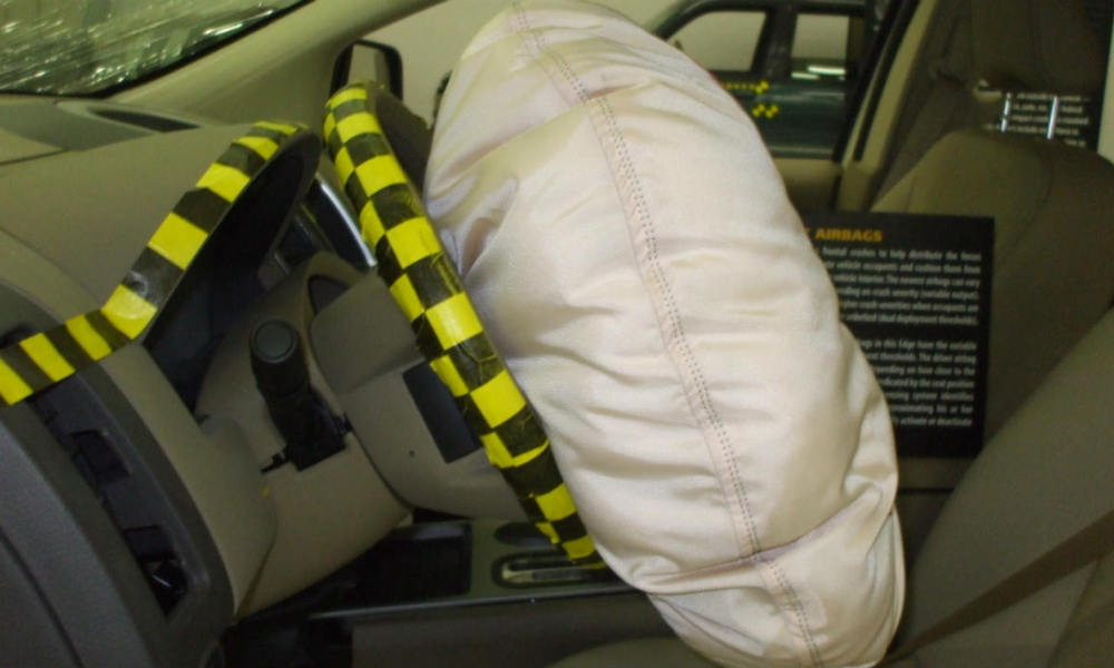 Airbag laboratoire tests IHS
