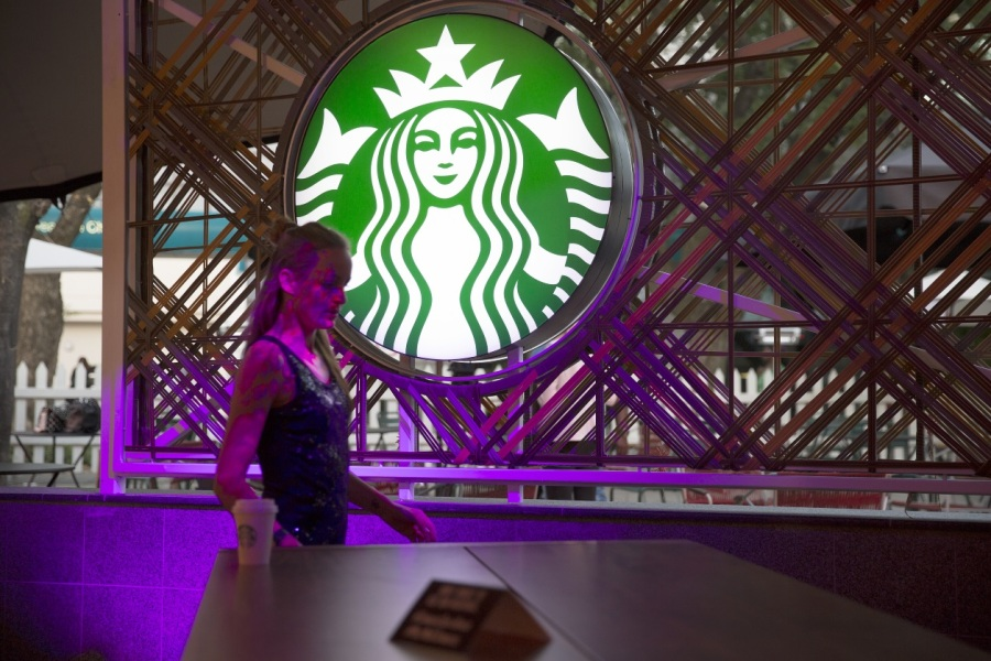 Starbucks va distribuer 25 milliards de dollars à ses actionnaires.
