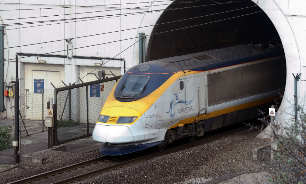 Un train Eurostar dans le tunnel sous la Manche, le 10 avril 2014. (photo d'illustration)