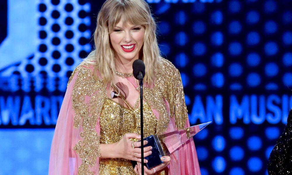 American Music Awards: Taylor Swift bat un record jusqu'ici détenu par Michael Jackson