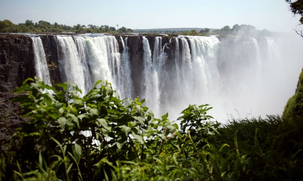 Picture taken on November 20, 2012, shows the Victoria Falls in Zimbabwe. AFP PHOTO MARTIN BUREAU  MARTIN BUREAU / AFP