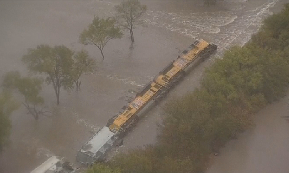 Le déraillement d'un train, au Texas, le 24 octobre 2015.