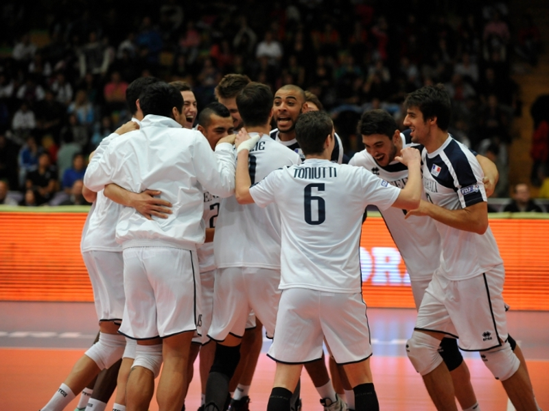 Volley : la France presque au 3e tour