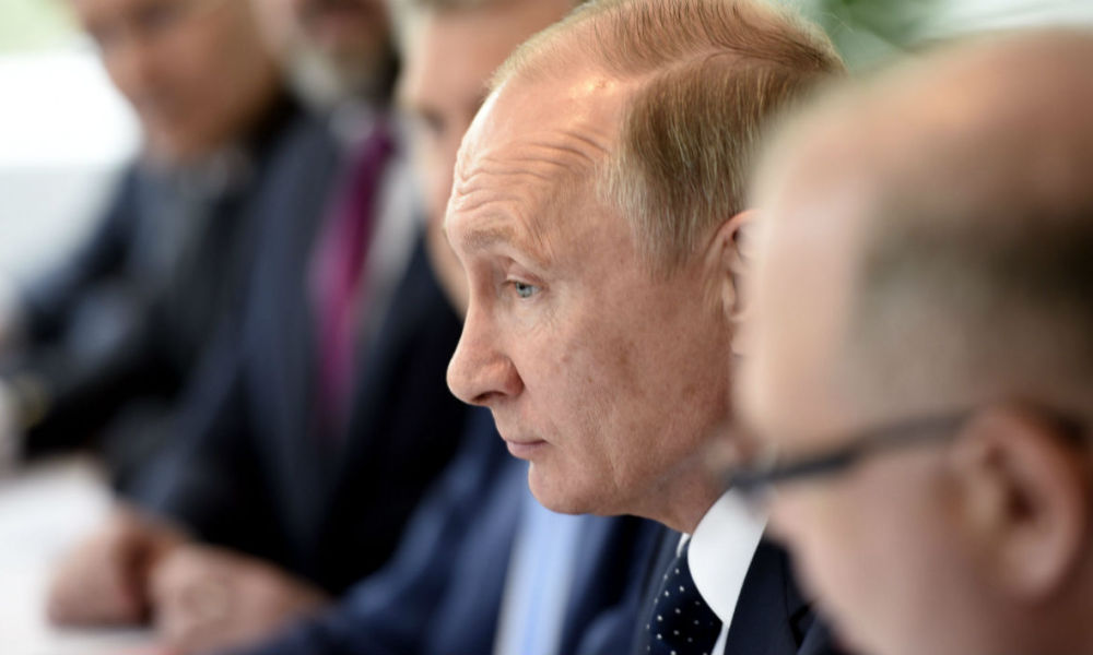Russian President Vladimir Putin attends a meeting with the finnish President in Punkaharju hotel in Savonlinna, Finland, on July 27, 2017. Russian President Vladimir Putin visits Finland commemorating Finland's 100-year independence. Martti Kainulainen / Lehtikuva / AFP MARTTI KAINULAINEN / LEHTIKUVA / AFP