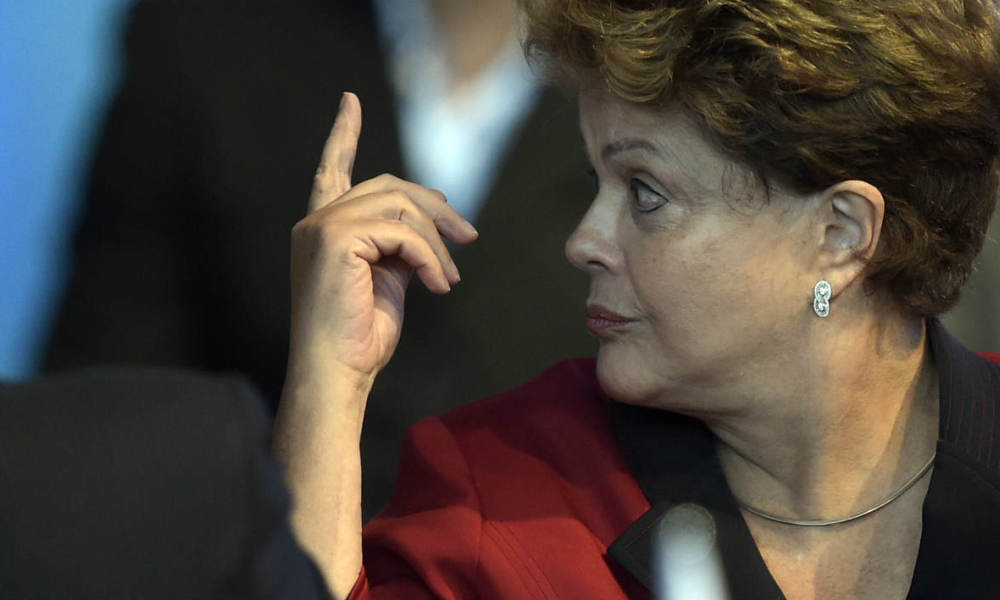 Brazilian President Dilma Roussef gestures during the 47th Mercosur Summit, in Parana, Entre Rios, Argentina on December 17, 2014. AFP PHOTO / Juan Mabromata JUAN MABROMATA / AFP