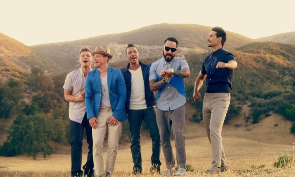 Les Backstreet Boys dans le clip de In a World like this, en 2013.