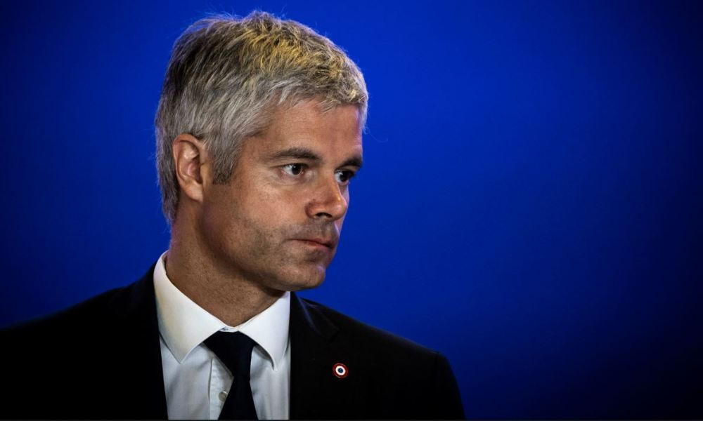 French rightwing Les Republicains (LR) opposition party president Laurent Wauquiez attends a press conference held at the party's headquarters in Paris on October 9, 2018, to present the party's measures aimed at reducing public spending.  Philippe LOPEZ / AFP
