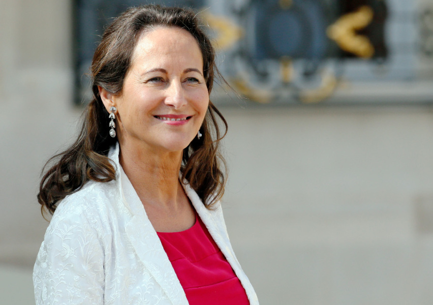 FRANCE, Paris : French Ecology, Sustainable Development and Energy Minister Segolene Royal leaves on September 10, 2014 a cabinet meeting at the presidential Elysee palace in Paris. AFP PHOTO / PATRICK KOVARIK