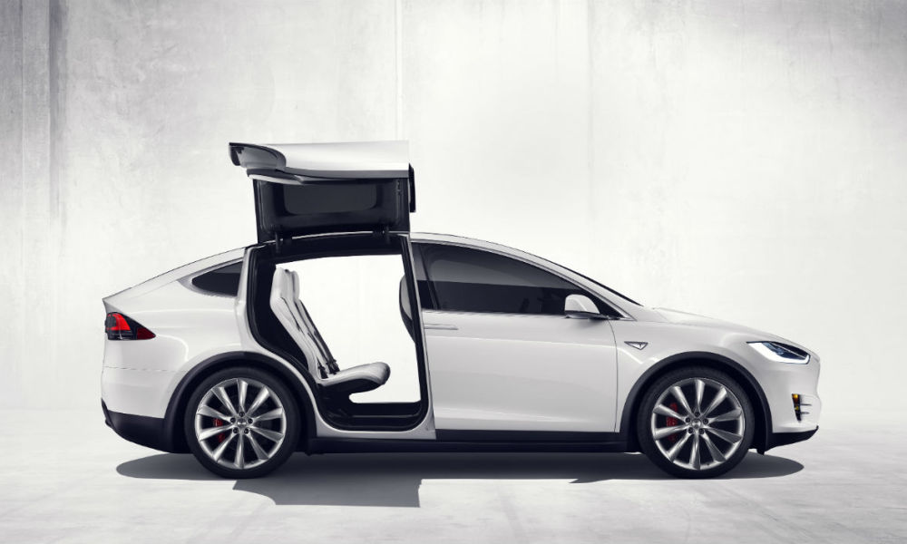 ford ach te une model x elon musk est ravi. Black Bedroom Furniture Sets. Home Design Ideas