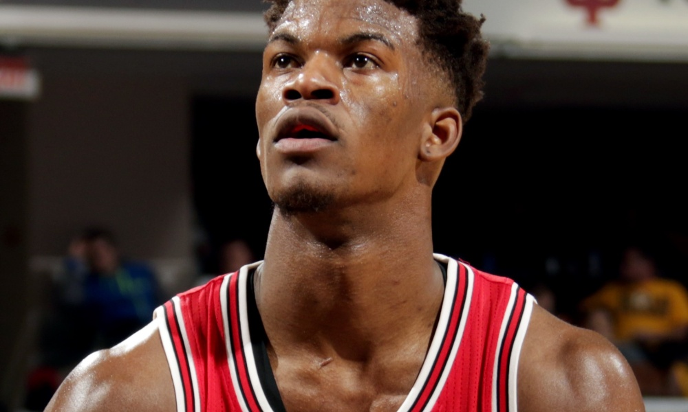 NBA : Butler prolonge la série de Chicago