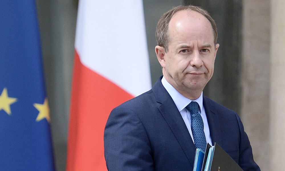 French Justice Minister Jean-Jacques Urvoas leaves the Elysee presidential Palace in Paris following the weekly Cabinet meeting on July 6, 2016.  STEPHANE DE SAKUTIN / AFP