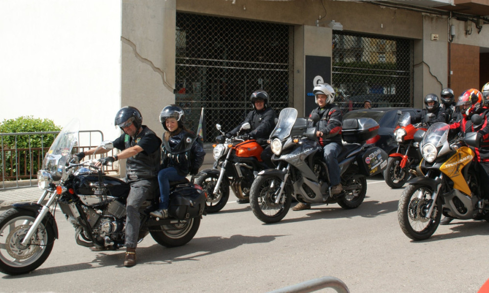 Motards en balade. (Illustration)