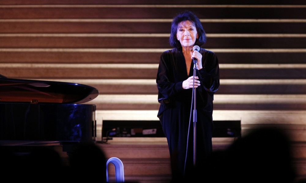 French singer Juliette Greco performs during a concert at the Louvre Museum on February 6, 2016 in Paris.