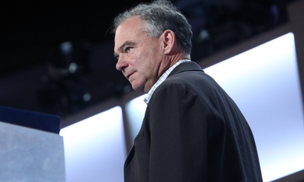 PHILADELPHIA, PA - JULY 27: Democratic Vice Presidential nominee Tim Kaine does a walk on the Democratic National Convention stage in Wells Fargo Center on July 27, 2016 in Philadelphia, Pennsylvania. Senator Kaine will speak tonight on the third day of Democratic Nation Convention. Jessica Kourkounis/Getty Images/AFP  Jessica Kourkounis / GETTY IMAGES NORTH AMERICA / AFP