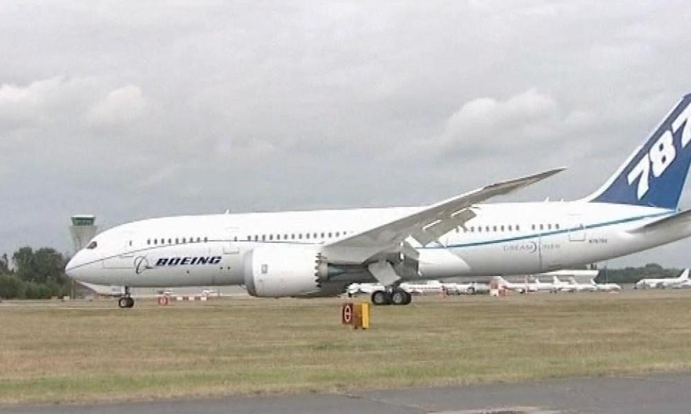 "Boeing montre son ""Dreamliner"" à Farnborough"