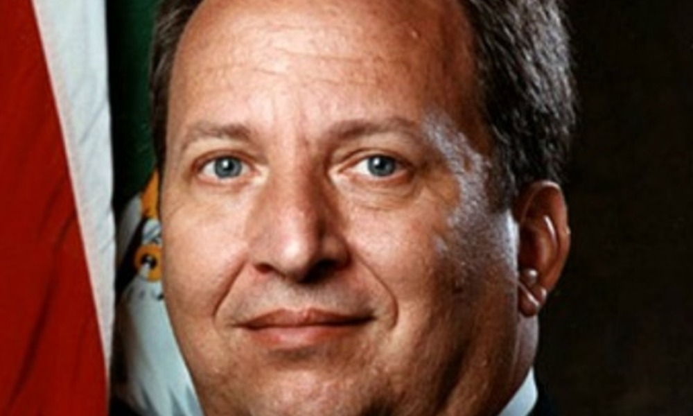 Larry Summers se retire de la course à la présidence de la Fed.