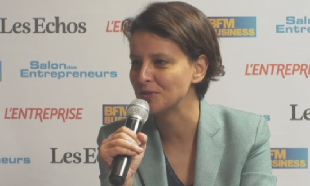 Najat Vallaud-belkacem dans le studio officiel du Salon des entrepreneurs.