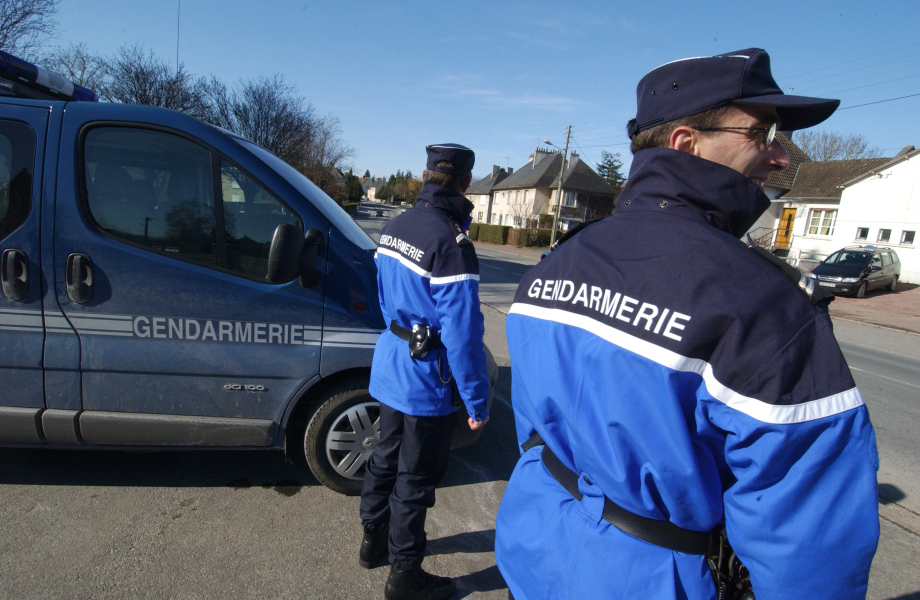 Deux gendarmes (photo d'illustration)