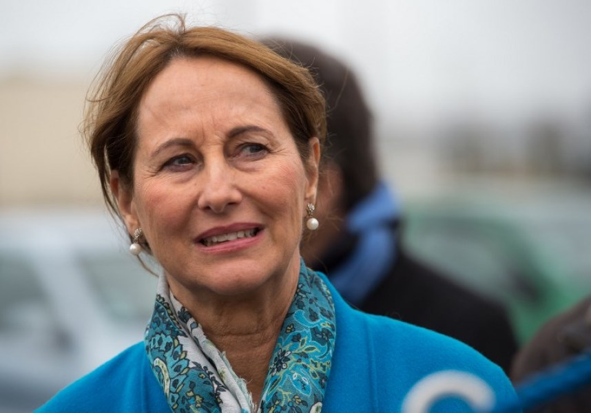 French Environment Minister Segolene Royal visits the National Center of the Sea (Nausicaa) on February 26, 2017 in Boulogne-sur-Mer, northern France, during the presentation of an offshore wind turbine project.  PHILIPPE HUGUEN / AFP