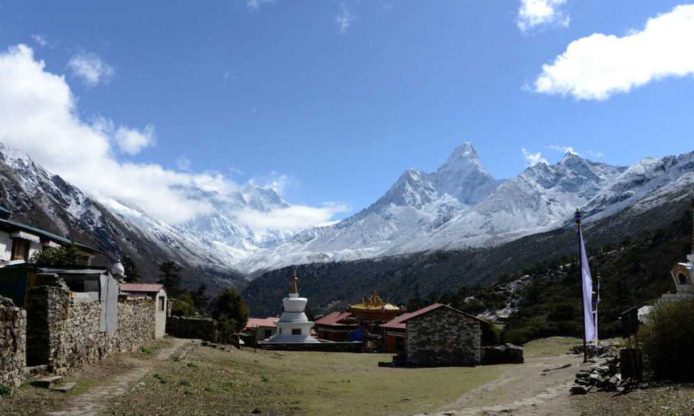 This photograph taken on May 4, 2017, shows a general view of the Mount Everest range from Tengboche some 300 kms north-east of Kathmandu.  PRAKASH MATHEMA / AFP