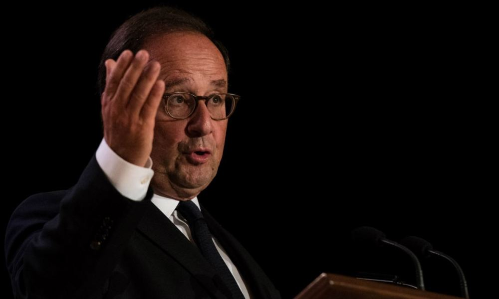 Former French Prime Minister François Hollande addresses a conference in Montreal, Canada, September 21, 2018.  MARTIN OUELLET-DIOTTE / AFP
