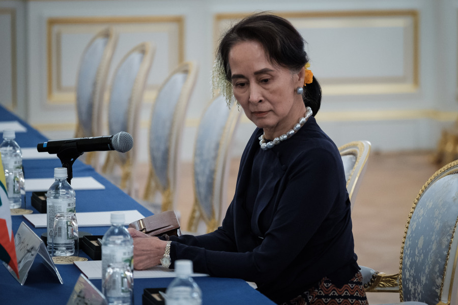 Myanmar's State Counsellor Aung San Suu Kyi waits for her delegation during a Japan Myanmar Summit meeting with Japan's Prime Minister at Akasaka Palace State Guest House in Tokyo on October 9, 2018, as part of the 10th Mekong-Japan Summit.  Nicolas Datiche / POOL / AFP