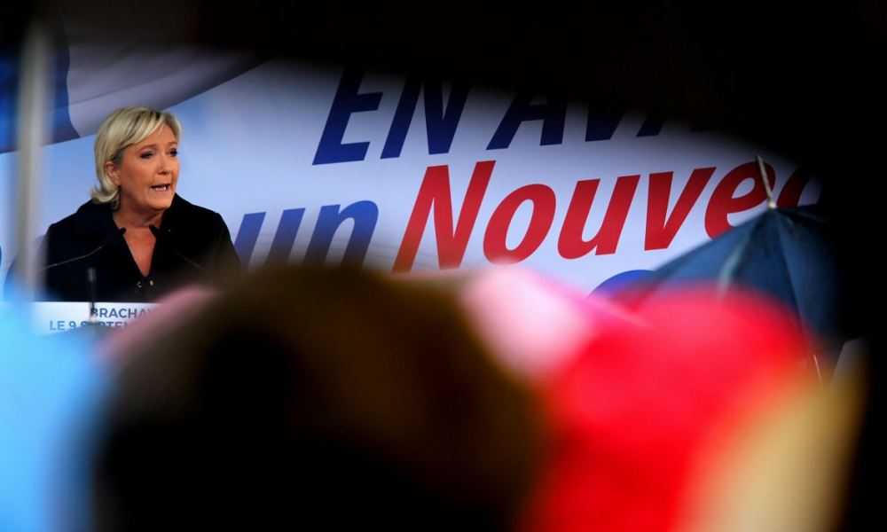 French leader of the far-right Front National (National Front) party Marine Le Pen delivers a back-to-work speech on September 9, 2017 in Brachay, eastern France.  FRANCOIS NASCIMBENI / AFP