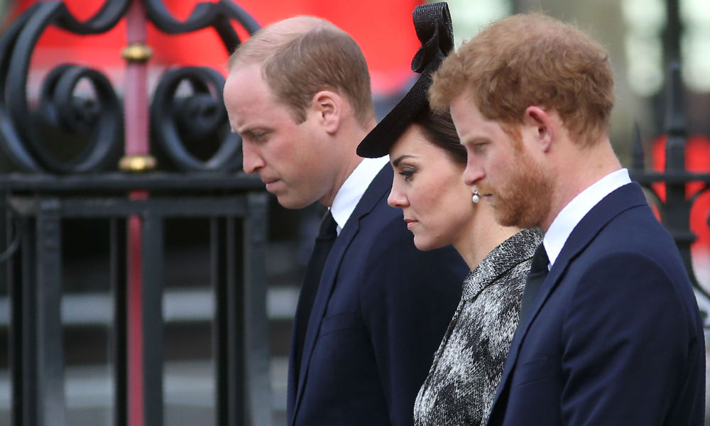 Kate, William et Harry se recueillent pour les victimes de l'attentat de Londres, le 5 avril 2017