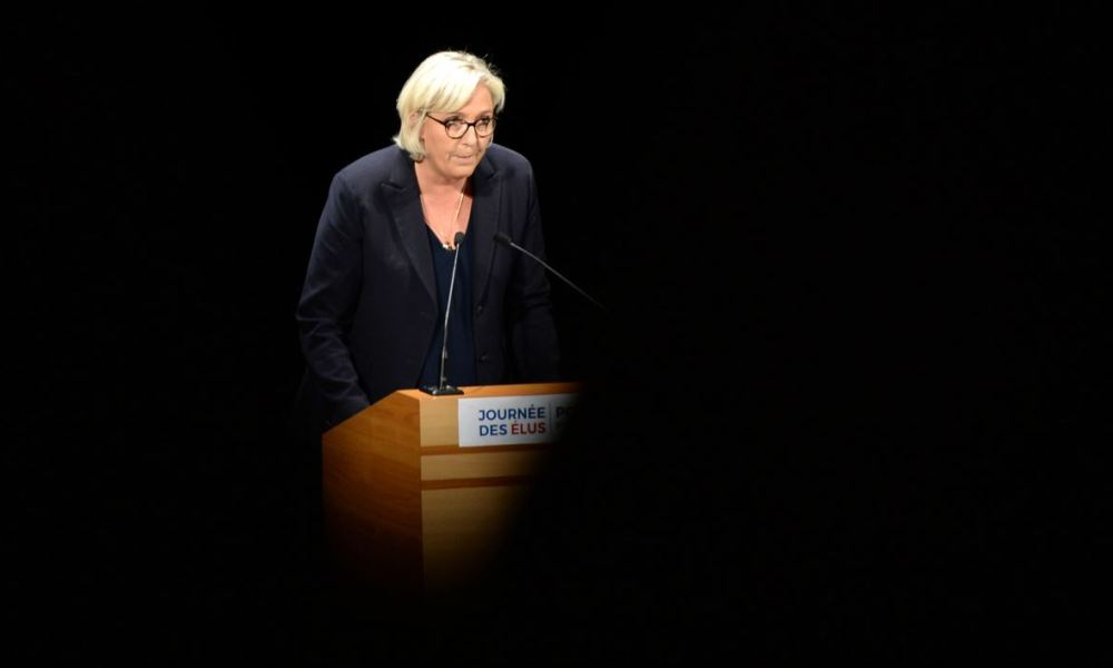 Far-right Front National (FN) party leader Marine Le Pen delivers a speech on October 1, 2017 at the summer university of the Front National's elected officials in Chasseneuil-du-Poitou, western France.  GUILLAUME SOUVANT / AFP