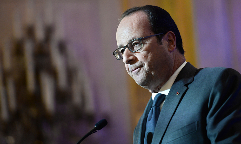 French President Francois Hollande delivers a speech during a symposium on re-founding democracy (Refaire la democratie) on October 6, 2016 at the Hotel de Lassay in Paris.