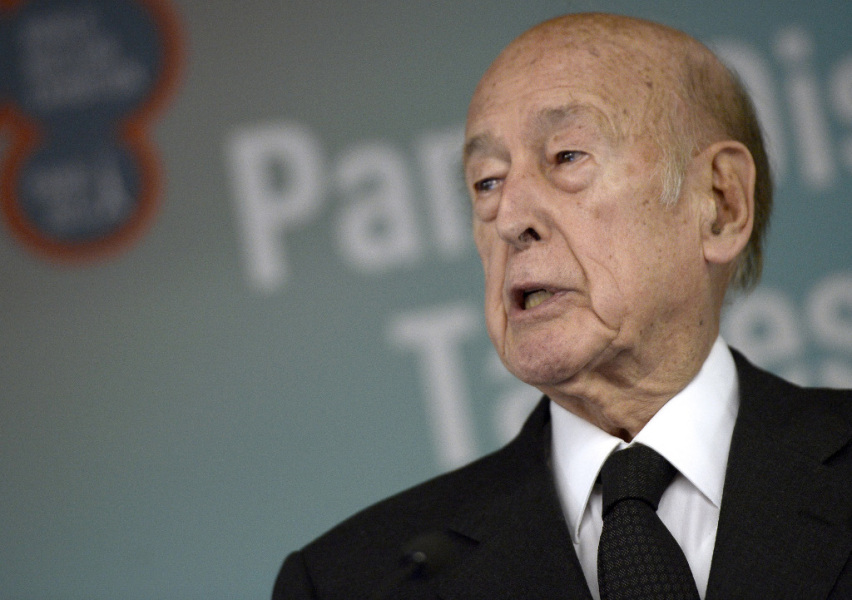 Former French President Valery Giscard d'Estaing holds a speech during the opening of the World Nuclear Exhibition (WNE) at Le Bourget, Paris on October 14, 2014. AFP PHOTO / STEPHANE DE SAKUTIN