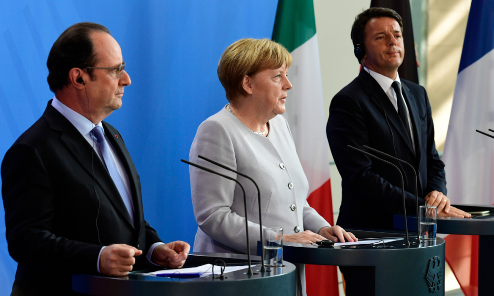 L-R) French President Francois Hollande, German Chancellor Angela Merkel and Italy's Prime Minister Matteo Renzi address a press conference ahead of talks following the Brexit referendum at the chancellery in Berlin, on June 27, 2016. Britain's shock decision to leave the EU forces German Chancellor Angela Merkel into the spotlight to save the bloc, but true to her reputation for prudence, she said she would act neither hastily nor nastily. John MACDOUGALL / AFP
