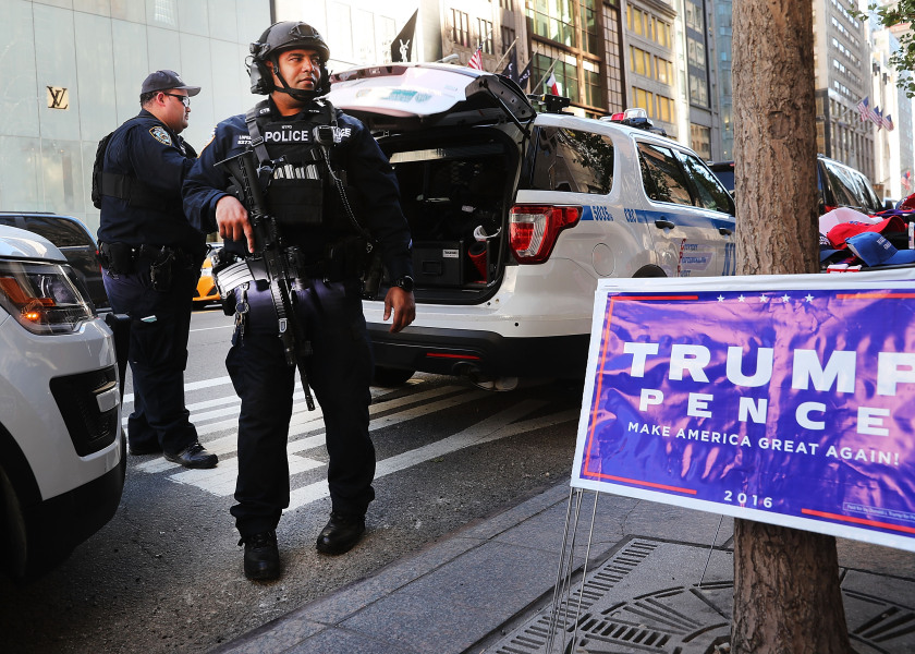 La police antiterroriste devant la Trump tower à New York, le 8 novembre 2016 (photo d'illustration)