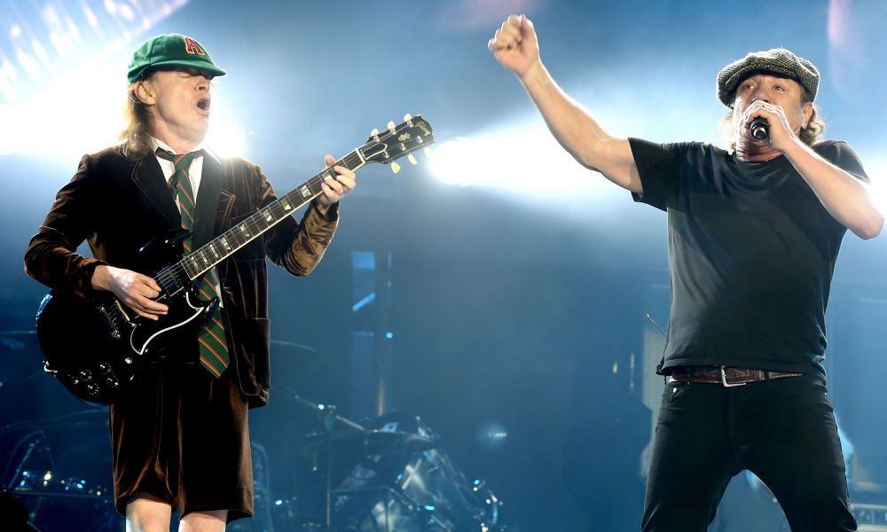 Brian Johnson et Angus Young en concert à Los Angeles en 2015