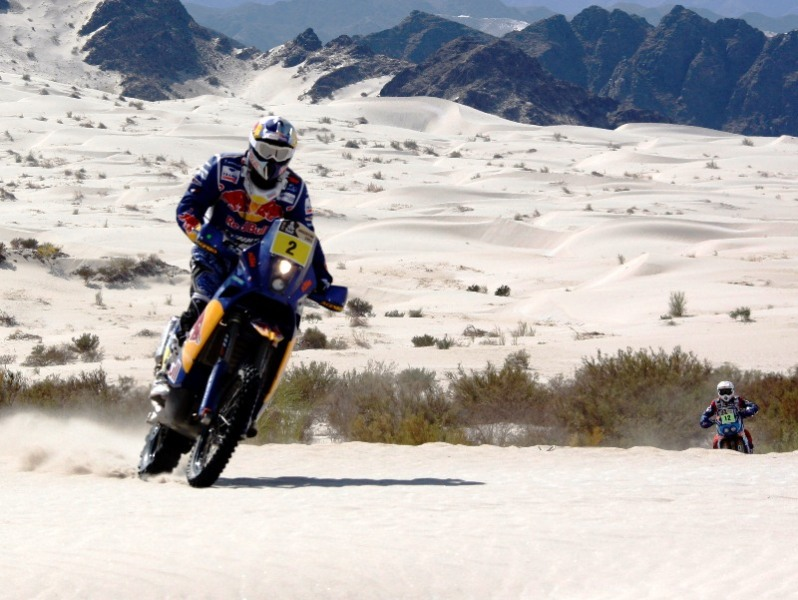 Dakar : Barredo et Sainz leaders