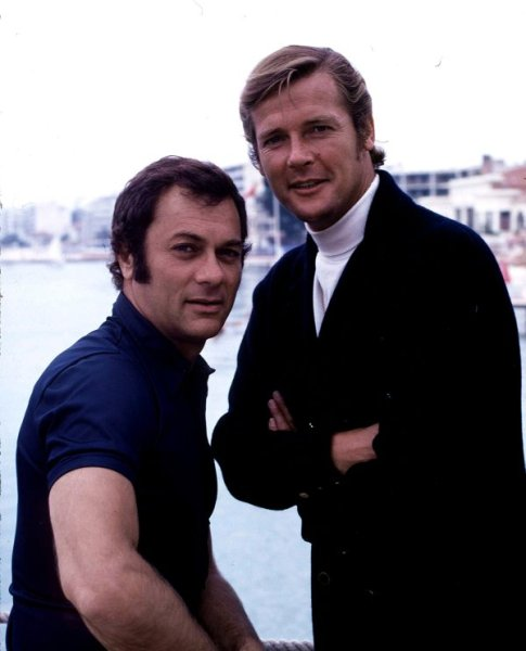 Tony Curtis et Roger Moore