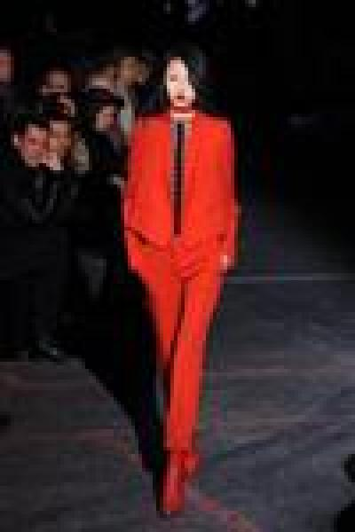 Le rouge incandescent de givenchy