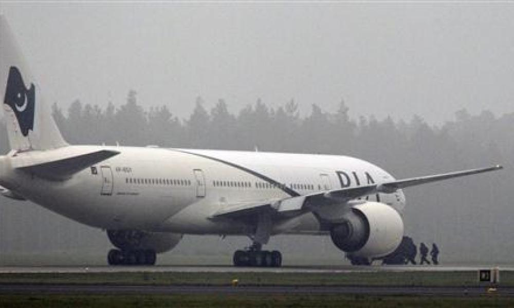 Un passager arrêté après une alerte à la bombe dans un avion pakistanais