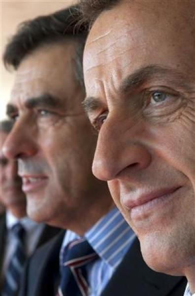 Fillon reconduit à matignon